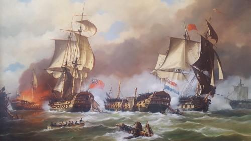 """Terwijl linieschip """"Delft"""" zwaargehavend in de achterhoede ligt, vecht 's-Lands Schip van Oorlog """"Vryheid"""" (het vlaggeschip van Vice-Admiraal Jan Willem de Winter) tegen de overmachtige vijand. Geheel ontmast blijft hij vuren, maar uiteindelijk moet ook de """"Vryheid"""" haar vlag strijken. 's-Lands Schip van Oorlog """"Hercules"""" staat in brand. Geschilderd door Anton Lourens (1938-2007)."""