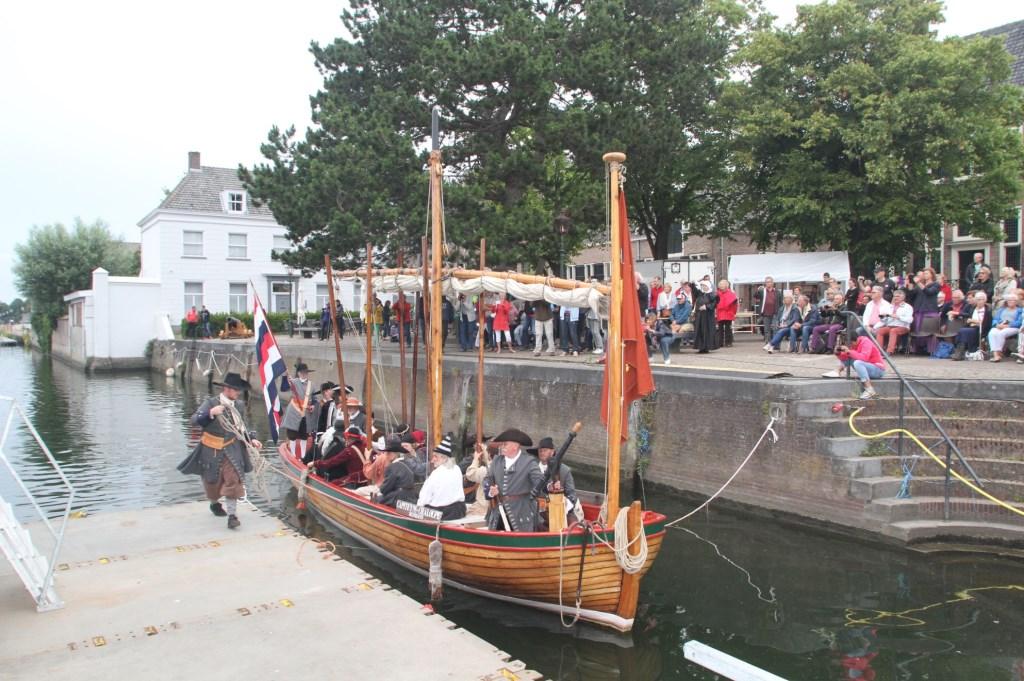 Groot Hellevoet - Michiel de Ruyter - Mariniers - Tocht naar Chatham 1667 - terugkomst Hellevoetsluis - Equipage De Delft - Raid on the Medway return Dutch Navy1