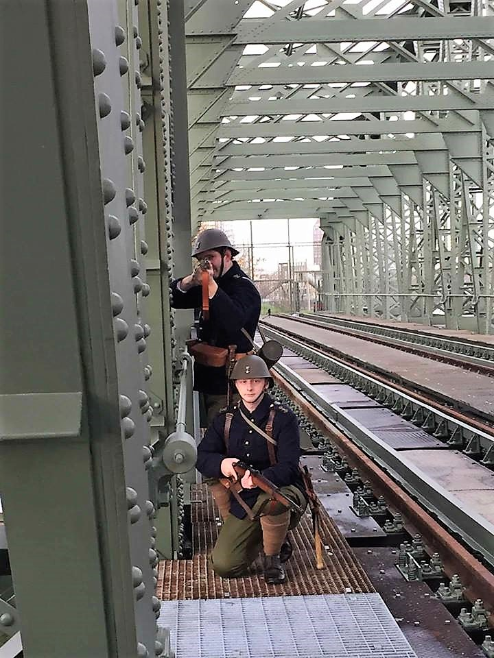 Mariniers 1940 - Maasbruggen Rotterdam - Equipage De Delft - Koninklijke Marine - Korps Mariniers - re-enactment - meidagen 1940 - film Mariniersmuseum