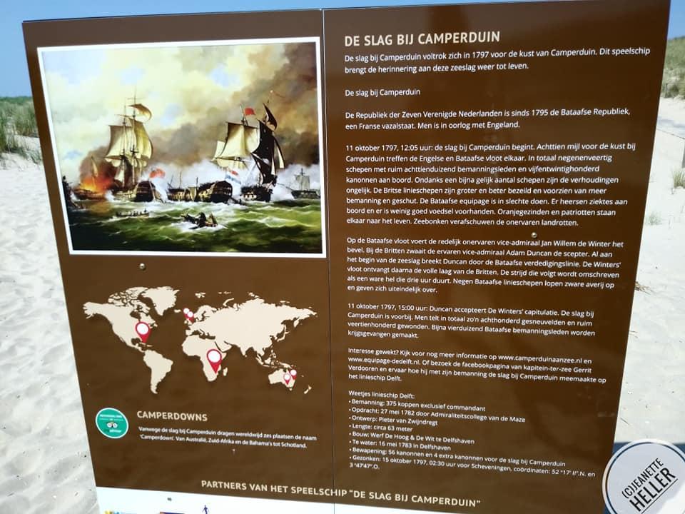 Informatiebord bij speelschip 'Zeeslag bij Camperduin' - Equipage De Delft - 1797 - foto Jeanette Heller