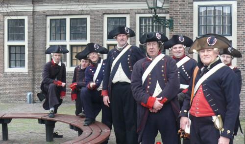 Equipage De Delft Hellevoetsluis - Patriotten - 1787 - Exercitiegenootschap - Bataven - documentaire NPO