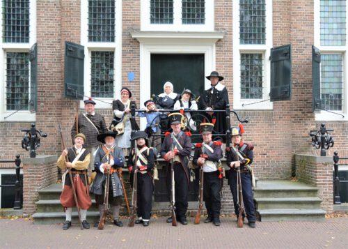 Equipage De Delft - 400 jaar Haven Hellevoetsluis 2021 - Prinsehuis - historische mariniers marine - 1667 1795 1801 1817 1830 b